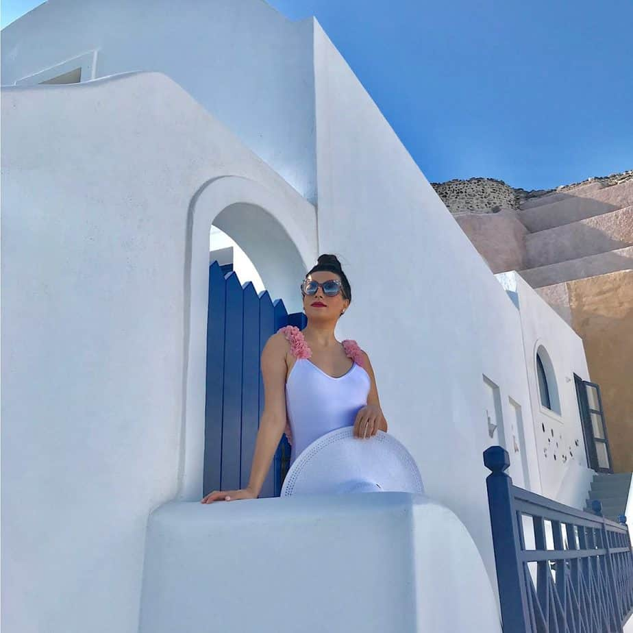 best place to stay in santorini
