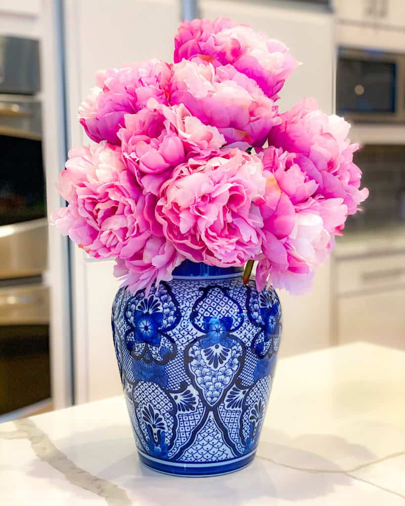 Pink peonies in blue and white vases - a great spring look in any kitchen.