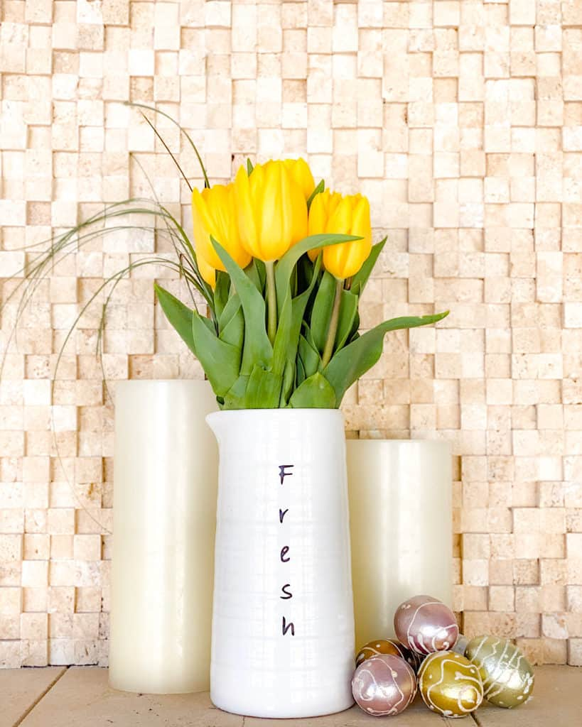 Yellow tulips in a vase - easy Easter decoration ideas!