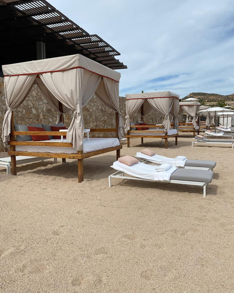 Sun loungers on the beach at Montage Los Cabos, Cabo san Lucas