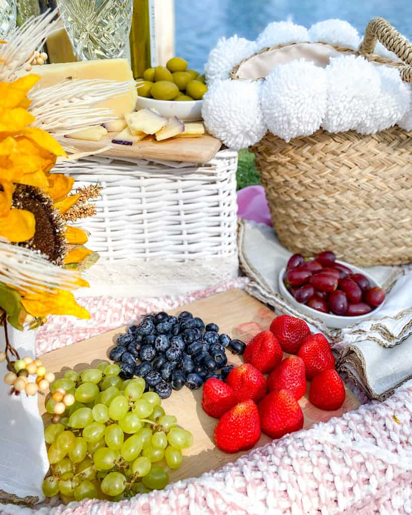 Fruit selection: Tips to pack an awesome picnic