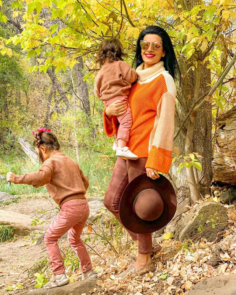 Best Time to Visit Sedona Arizona: Fall family portrait