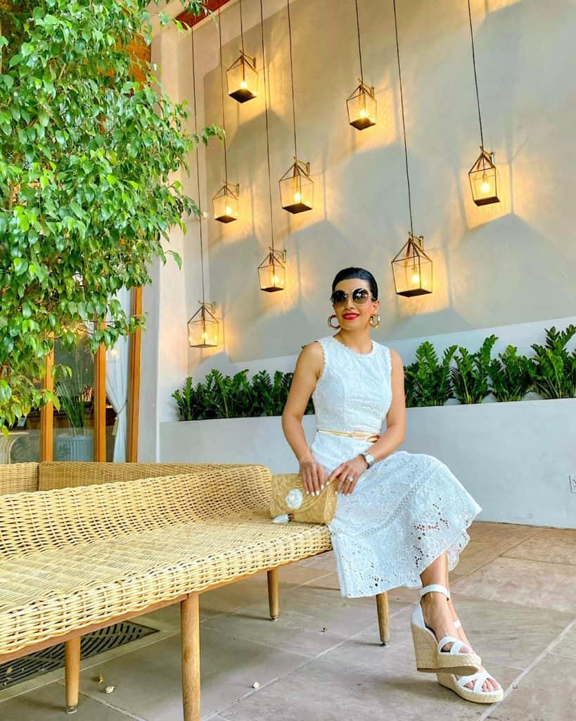Best White Summer Dresses 2021 / lady wearing white summer dress