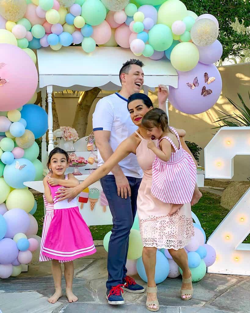 Family enjoying the ice cream cart.