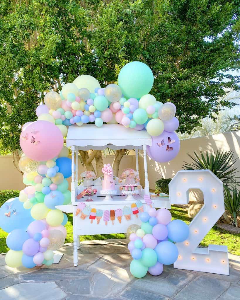 Balloon garland and ice cream cart