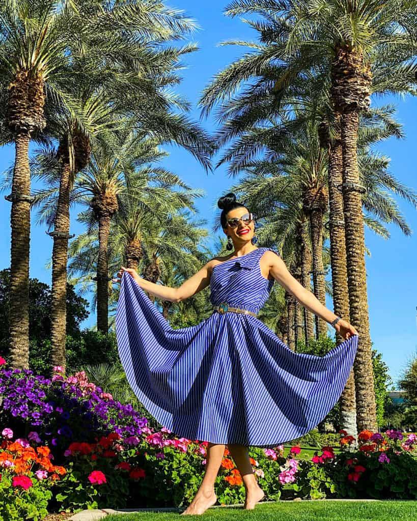 Blue midi dress: Ideas for spring/summer midi and maxi dresses