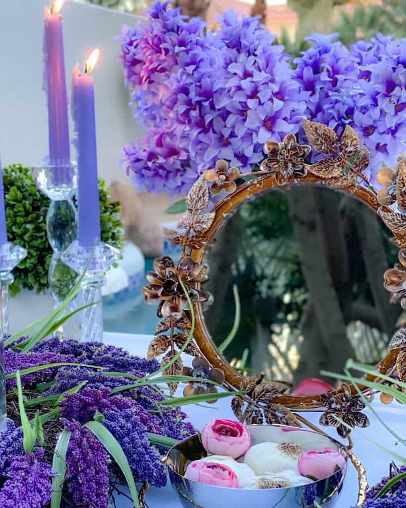 A mirror:  Nowruz table decorations