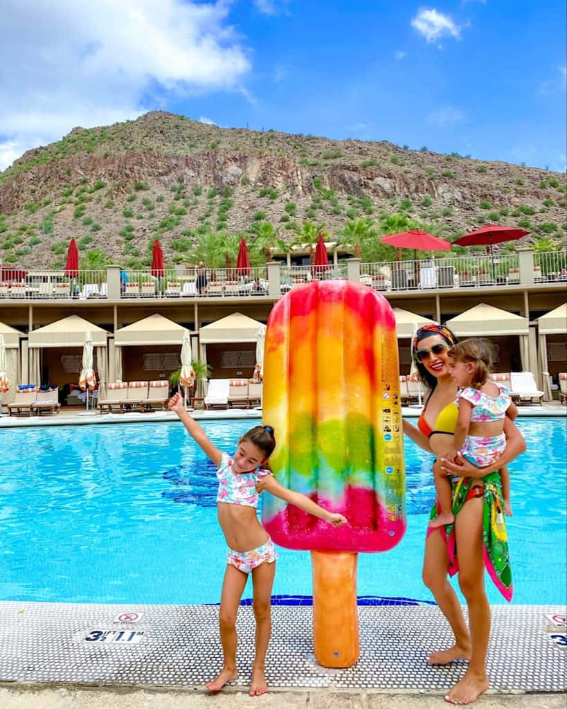 Travel Guide: The Phoenician swimming pool area