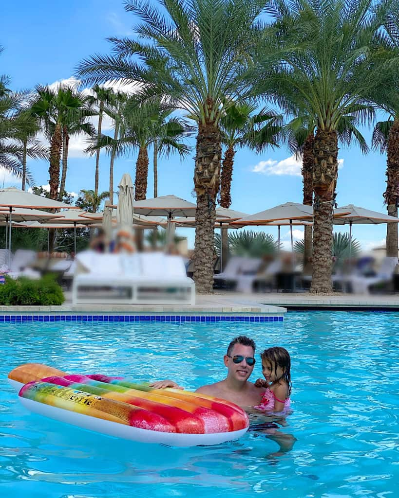 Travel Guide: The Phoenician pool area