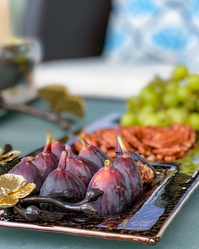 Tray of figs on a table for a gender reveal party